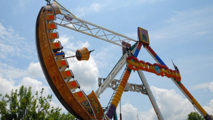 9 Tips to Spend Less at Theme Parks